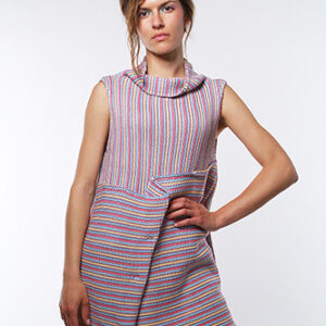 ALBERTA sweater in cotton yarn, trapeze line with standing collar. Pleated motif in front.
